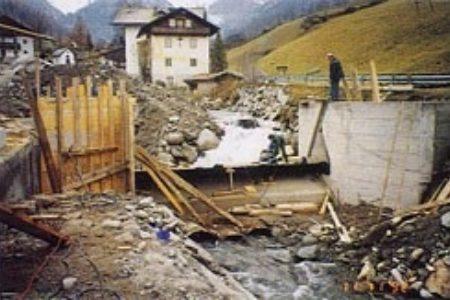 Wasserfassung - Montage der Stauklappe