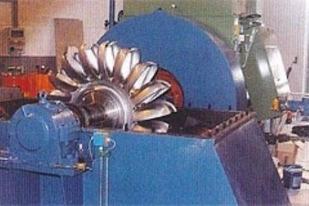 Laufrad der Peltonturbine - das Herz der Anlage